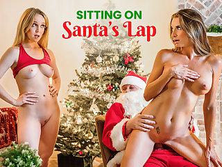 Sitting On Santas Lap - S14:E7